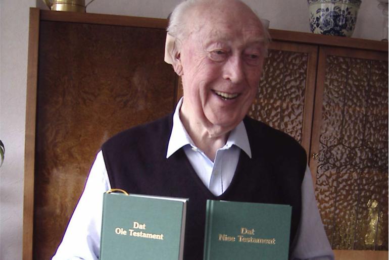 Harwerth zeigt plattdeutsche Bibeln